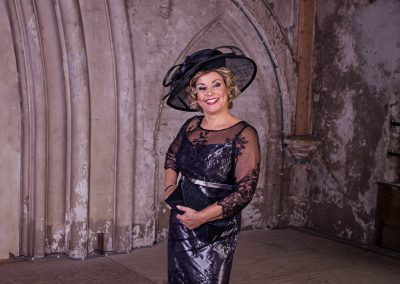 Zwarte jurk met hoed